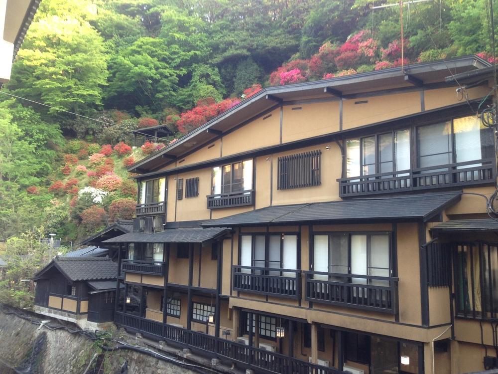 観光客が減少した旅館の固定資産税、15%の減額認める判決。宇都宮地裁
