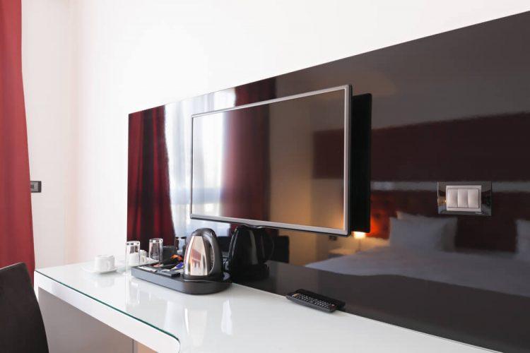 三井ガーデンホテル、訪日外国人に向けて、客室テレビを活用した観光サービス配信