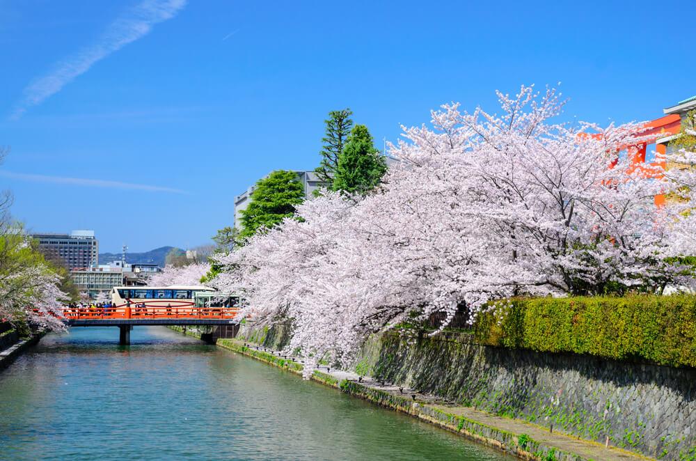 株式会社ワコール、京町屋をリノベーションした宿泊施設「京の温所 岡崎」を2018年4月28日開業。