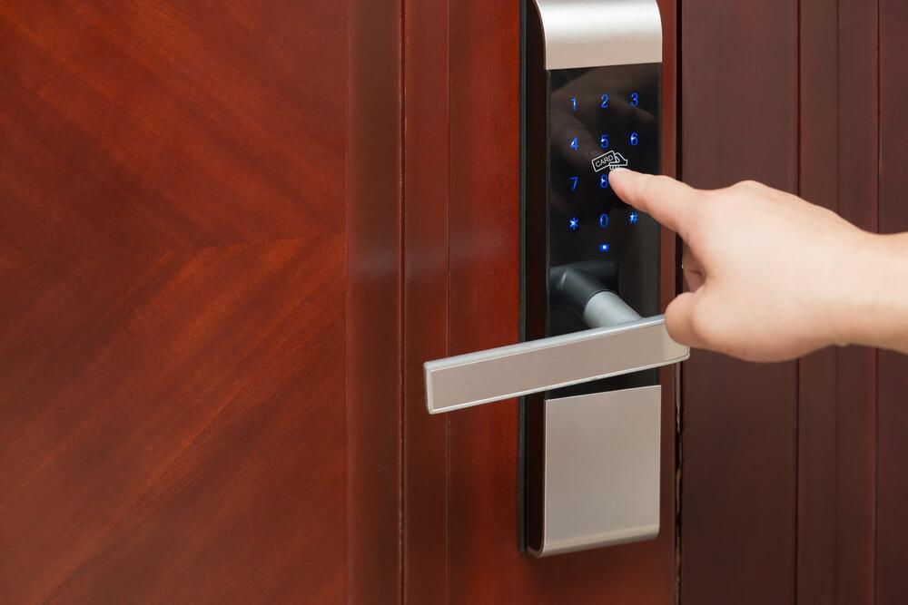 「ABCチェックイン」と「RemoteLOCK」がシステム連携、民泊新法施行に合わせサービスを開始。