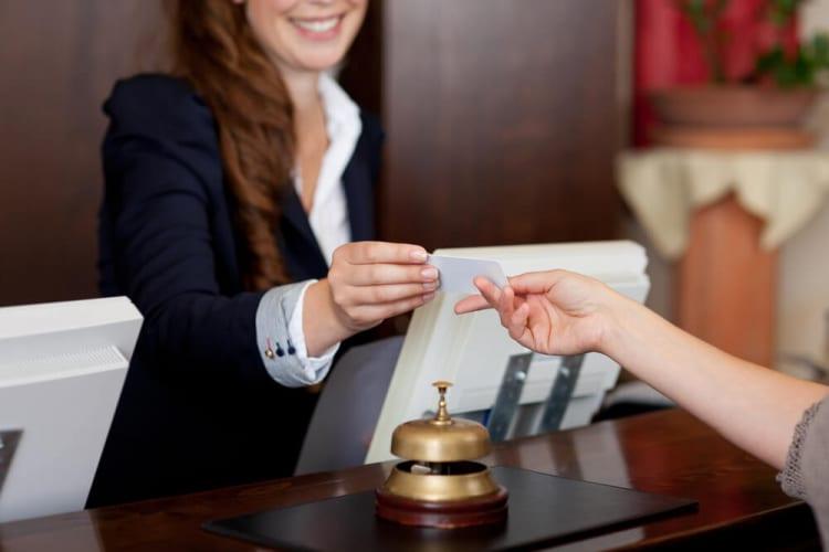 滋賀県の高級ホテルが「ili インバウンド」と「ili PRO」を導入、多言語で接客をサポート