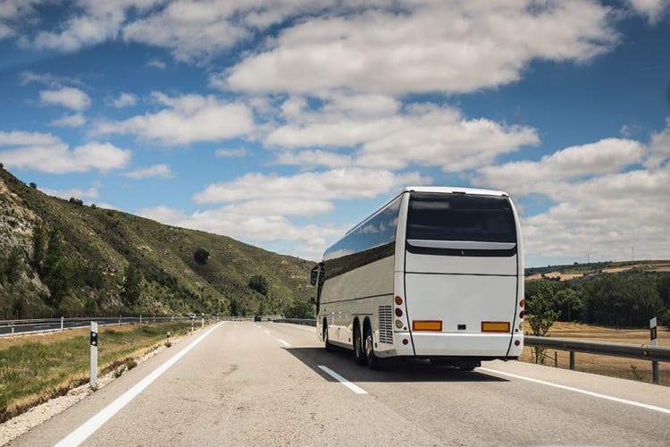 ヤマト運輸と全但バス、訪日外国人向けに『手ぶら観光サービス』を開始。関西エリアの観光がスムーズに