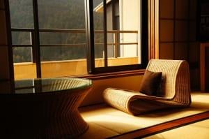 2017年度の旅館の予約経路は「旅行業」経由が40%、外国人宿泊比率は調査以来初の2桁に