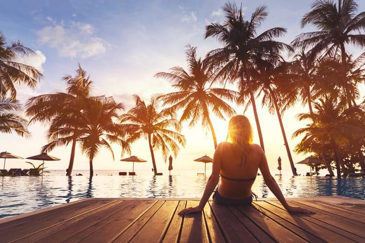 外国人リゾート派遣数が2.2倍!?宿泊業で外国人採用に積極的な姿勢、はたらくどっとこむ調べ