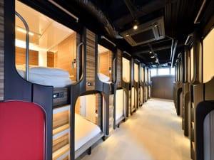 カプセルとホステルが融合した新しい宿泊施設「まゆ玉キャビン横浜関内」が2019年4月19日にグランドオープン