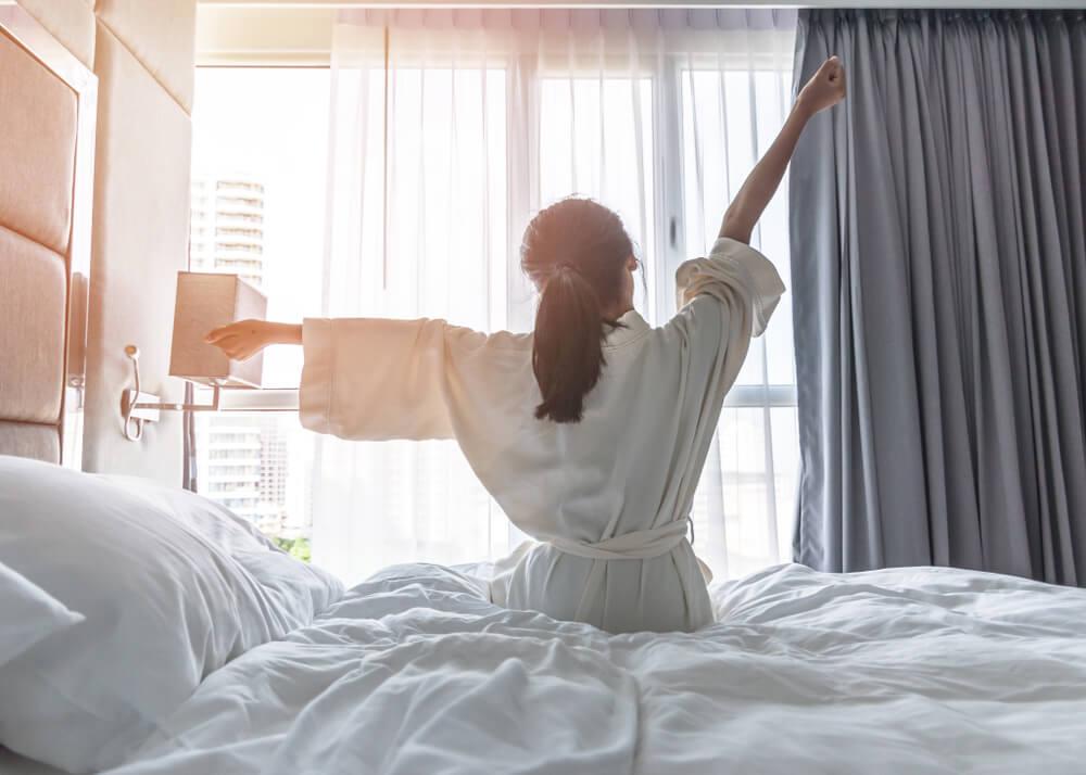 楽天トラベル「2019年 女性の一人旅に人気のレジャー宿ランキング」を発表、1位は人気温泉地・道後温泉の宿