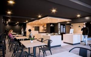 長野・栂池エリアにホステル「UNPLAN Village Hakuba」2019年12月開業、古民家2軒を改修し約100人収容