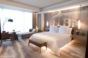 【フォーシーズンズホテル東京大手町新規開業】株式会社Sanko IBが 全190室に ルームマネジメントシステムと照明一体型ミラーを導入